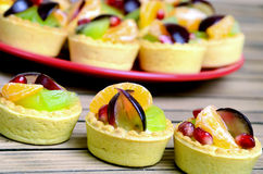 Mini tart with fruit Royalty Free Stock Photography
