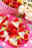 Mini tartlets da morango Imagem de Stock Royalty Free