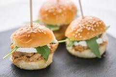 Mini- tonfiskhamburgare och vit ost Fotografering för Bildbyråer