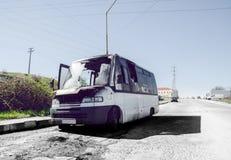 Mini Van queimado fotografia de stock