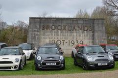 MINI voitures modernes au mini événement 2017 de jour de Brooklands Images libres de droits