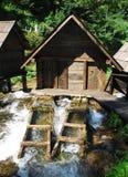 Mini Watermills en el lago Pliva Imagenes de archivo