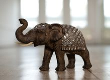 Miniatur eines indischen Elefanten stockfotografie