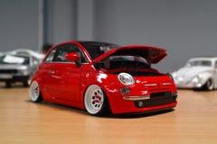 Miniatur von Fiat 500 Stockfotos