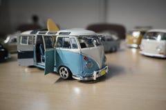 Miniatura de la autocaravana clásica, T1 del transportador de VW Imagen de archivo