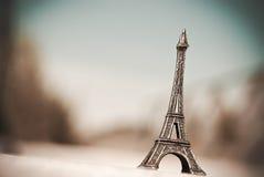 Miniatura de la torre Eiffel Fotos de archivo libres de regalías