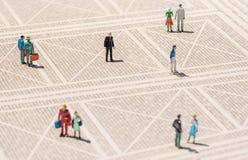 Miniatura della persona anziana - la condizione sola dell'uomo ha perso nella folla Fotografia Stock Libera da Diritti