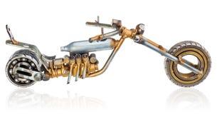 Miniatura fatta a mano di un motociclo del selettore rotante Veicolo decorativo fatto delle parti meccaniche, cuscinetti, cavi, c Immagini Stock