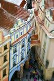 Miniaturdraufsicht der alten Stadt, Prag, Tschechische Republik mit Touristen stockbilder