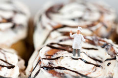 Cinnamon roll Chef Royalty Free Stock Photography