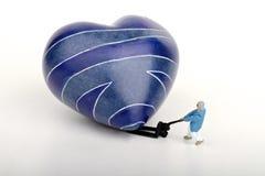 Miniature d'un homme rejetant l'amour Image libre de droits