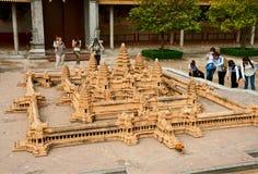 Miniaturkopie des Tempels von Angkor Wat in Royal Palace Lizenzfreies Stockbild