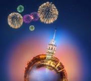 Miniaturowa Ziemska planeta z budynkami, przyciąganiami i fajerwerkami Istanbuł wszystkie, Zdjęcie Stock