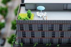 Miniaturowy model, miniatura zabawkarscy budynki, samochody i ludzie, Miasta maquette Obrazy Royalty Free