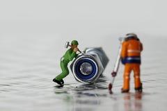 Miniaturowy pracownik dokrętki rygiel Obrazy Stock