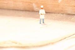 Miniaturowy szefa kuchni ciasto E fotografia stock