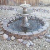 Miniatursteinwasserfall lizenzfreies stockfoto