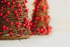 Miniaturweihnachtsdekorationen stockfotos