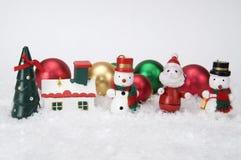 Miniaturweihnachtsverzierungen lizenzfreie stockfotos