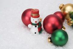 Miniaturweihnachtsverzierungen lizenzfreies stockfoto