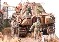 Miniatuur met militairen andgerman tank royalty-vrije stock fotografie