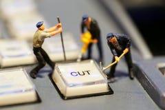 Miniatuurmensen: arbeider op Switcher knopen in stati van studiotv royalty-vrije stock afbeelding