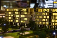 Miniatuurstad met de flatgebouwbouw royalty-vrije stock foto