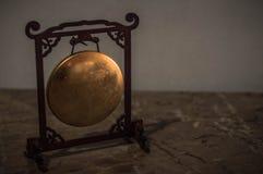 Miniatyr av den kinesiska gongen in arkivfoton