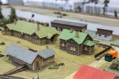 Miniatyr av järnvägsstationen Modell av den retro järnvägstationen Arkivbild