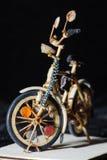 Miniatyrhemslöjddetaljskott av träcykeln Fotografering för Bildbyråer