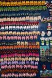 Miniatyrholländare stoppar till till salu till turister i Amsterdam royaltyfria foton