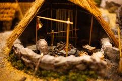 Miniatyrmodell av kojan Spela leksaken för en unge Kojaplayset för ungar Kortkortkoja för skärm Realistisk kojamodell Model hus t Arkivbild