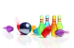 Minibowlingspieltätigkeit stockbild