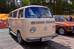 MinibusVolkswagen Transporter Arkivbilder