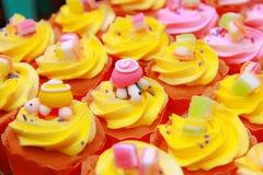 Minicup-Kuchen Stockbilder