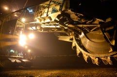 Miniera a cielo aperto con l'escavatore gigante Immagine Stock Libera da Diritti