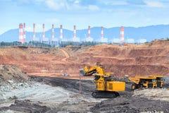 Miniera della lignite della trincea a cielo aperto Immagine Stock Libera da Diritti