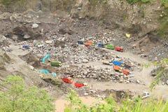 Miniera di pietra dal vulcano di Merapi fotografia stock libera da diritti