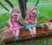 Minijunge und Mädchen statuarisch Lizenzfreies Stockbild