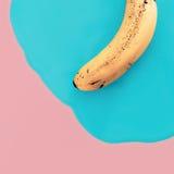 Minimale Art der Vanille Exklusive Banane Modefotos Stockfotos