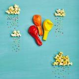 Minimales Geburtstags-und Lebensmittel-Spaß-Konzept Lizenzfreies Stockfoto