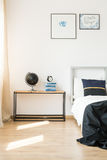 Minimalism in the bedroom Royalty Free Stock Photography