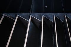 Minimalisme géométrique abstrait Jeu de verticale noire et blanche Images libres de droits