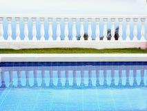 Minimalismus der Form und der Farbe, ein terassenförmig angelegtes mit Leerraum lizenzfreie stockbilder