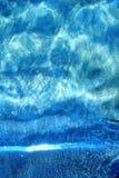 Minimalist bakgrund för sommar, kristalliskt hav, vertikal backgrou royaltyfri bild