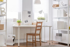 Minimalist tonårigt rum Arkivfoto