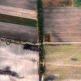 Minimalisticfoto van het afgeschuinde die gebied, uit de lucht wordt genomen Stock Foto's