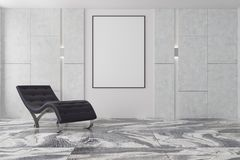 Minimalisticwoonkamer, zwarte leunstoel, affiche Royalty-vrije Stock Foto