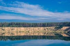 Minimalistyczny rzeka krajobraz Obrazy Royalty Free