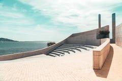 Minimalizmów siedzenia I schodki Nowożytny amfiteatr zdjęcia stock